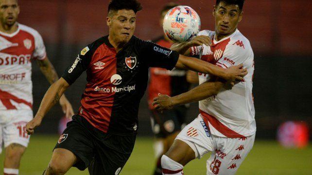 Newells no pudo ganar en el debut de Burgos pero mostró algunos cambios