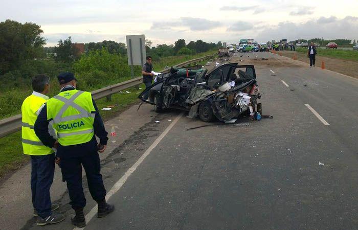 El siniestro vial se produjo en el kilómetro 1 de la autopista. (Foto: Sebastián Suárez Meccia / La Capital)