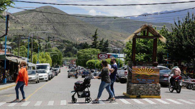Más de medio millón de argentinos viajó por el país este fin de semana extra largo