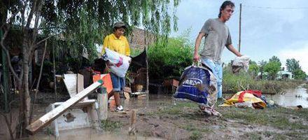 San Antonio de Areco: el agua baja y algunos vecinos volvieron a sus hogares