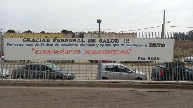 El agradecimiento de la familia Sosa plasmado en un pasacalle colocado en el hospital Dr Gutiérrez