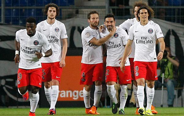 Festejo parisino. Ezequiel Lavezzi celebra el gol.
