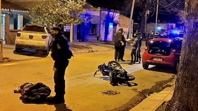 Un policía que trabaja en Rosario se resistió a un asalto y baleó a un delincuente en Santa Fe