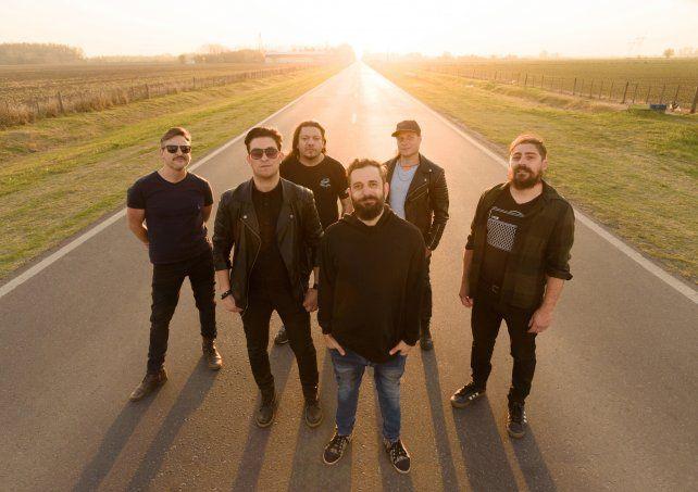 La banda liderada por Pablo Pino presenta tema nuevo en el streaming del viernes.