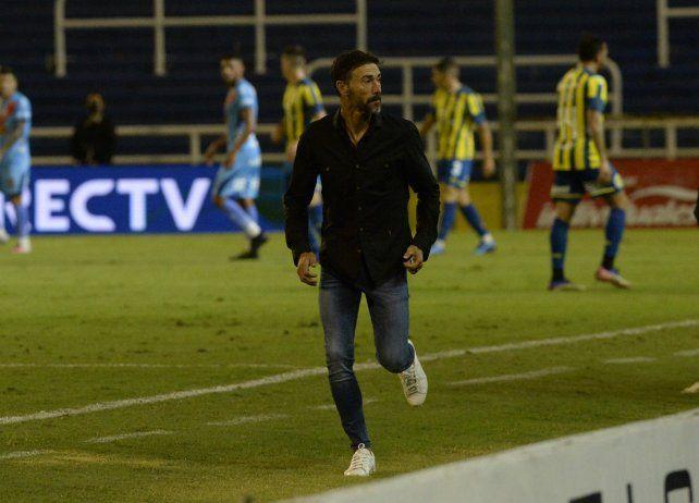 El Kily González aprobó ante Arsenal y renovó el crédito dirigenical canalla.