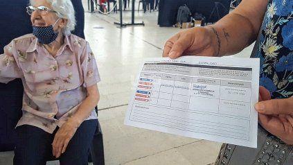 Continúa la vacunación a adultos mayores en Santa Fe con la llegada de dosis