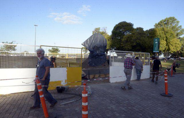 Cómo es la estatua que descubrirán en el homenaje a Belgrano