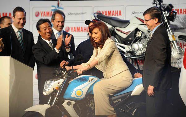 A fondo. La presidente inauguró una planta de la fábrica de motos Yamaha. Desde allí