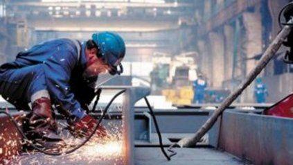 Sigue la prohibición a las empresas de realizar despidos o suspender trabajadores