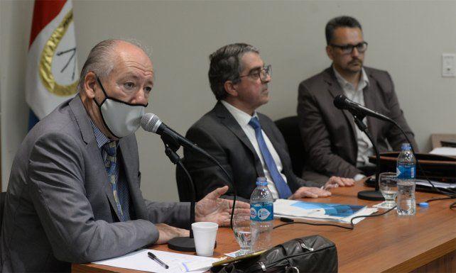 El abogado José Luis Vázquez y el senador Traferri en una de las últimas conferencias de prensa en Rosario.