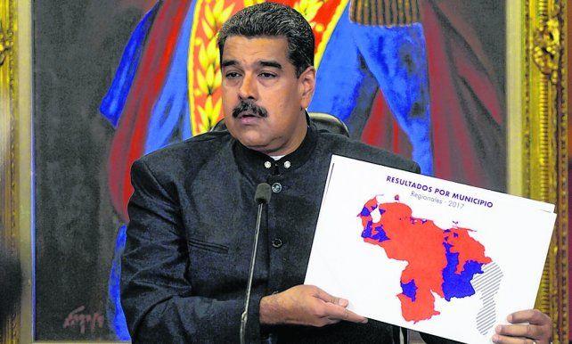 Tras el voto. Maduro dijo que la victoria del oficialismo forma parte de una nueva ola de victorias progresistas.