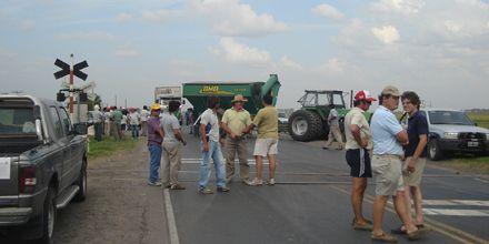 Paro del campo: tensión en Entre Ríos por la presencia de 500 camioneros