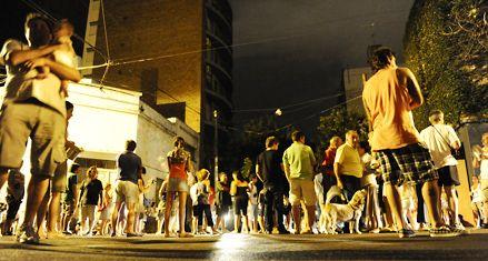 Noche de bronca y cacerolazos en tres barrios rosarinos por los cortes de luz