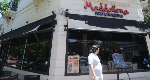 Violento asalto a un local de la pizzería Maddalena en el barrio de Pichincha