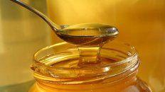 La resolución de la Anmat incluye una marca de miel de abejas.