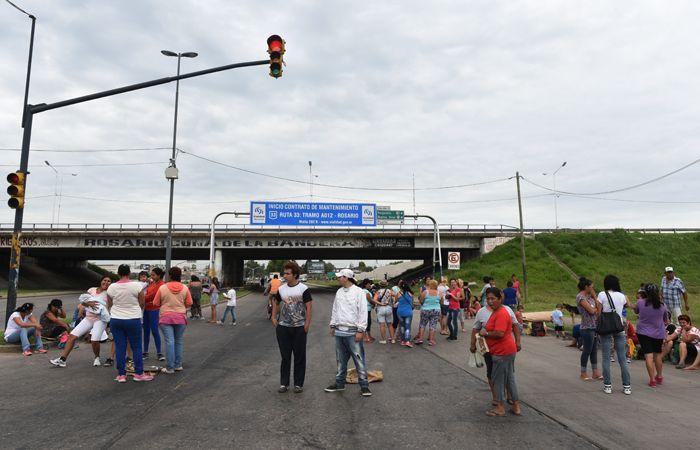 La organización social vuelve a los cortes en la ciudad. (Foto: Celina Mutti Lovera / La Capital)