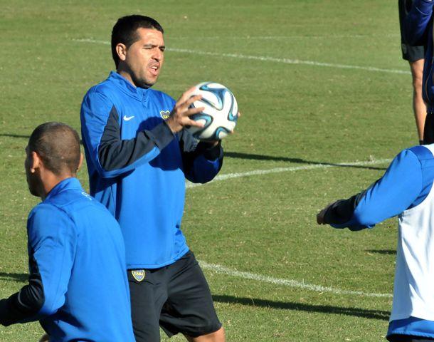 Riquelme entrenó ayer en Casa Amarilla.