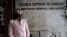 La directora del Superior, Gabriela Zamboni, también fue parte del equipo de 20 docentes que corrigió las pruebas a toda velocidad.