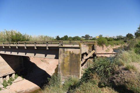 en lista de espera. En 2011 se estudió la reparación del Puente Blanco