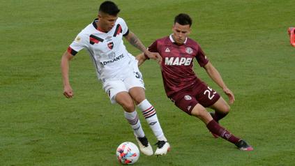El volante Nicolás Castro fue el goleador y figura rojinegra ante Lanús.