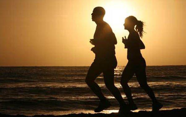 La actividad física y las relaciones sexuales aceleran el ritmo cardíaco y mejoran la calidad de vida.