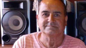 Carlos Alberto Movane tiene 63 años y vive con su hija en Granadero Baigorria.