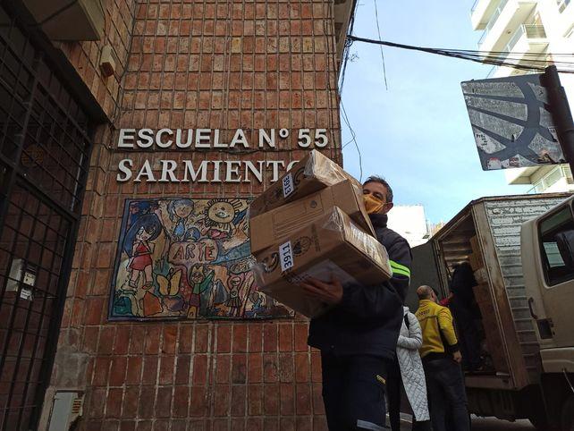 Paso: comenzó el operativo de despliegue de más de 100.000 urnas en todo el país