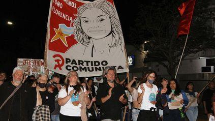 La caravana pidiendo Justicia por Flor , marchó por las calles de San Jorge. (Fotos gentileza: Juana Camoletto)