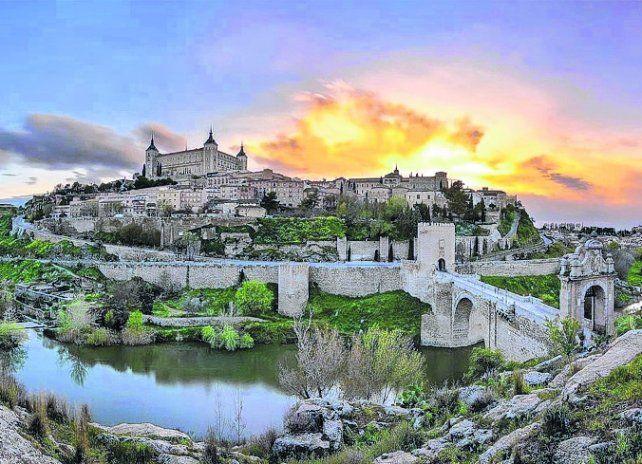 Señorial. El Alcázar de Toledo fue mandado construir por el emperador Carlos V.