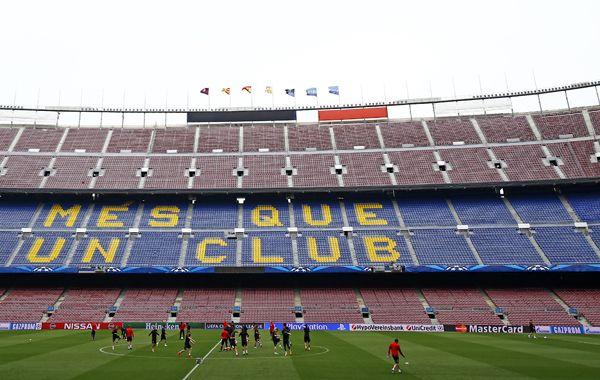 La definición de la Liga y de la Copa del Rey siban a jugarse en el Camp Nou. Pero la federación aseguró que no habrá fútbol en España.
