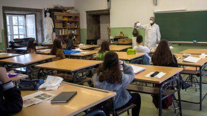 En pandemia, un director pidió a las familias de los alumnos que vean más allá de las notas