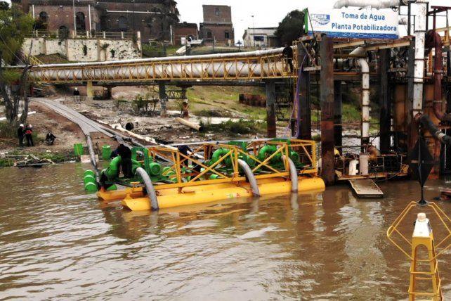 Aguas Santafesinas instaló más bombas en la planta captadora de Arroyito.