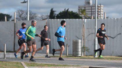 Prohibiciones. El decreto provincial suprime la práctica deportiva tanto individual como grupal en espacios abiertos y cerrados.