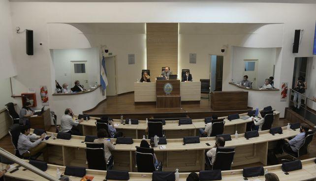 El próximo 14 de noviembre se renovarán 13 de las 28 bancas del Concejo y cinco espacios políticos presentarán candidatos.