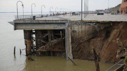 La provincia alertó que la bajante del río puede causar nuevos derrumbes en la costa del Paraná