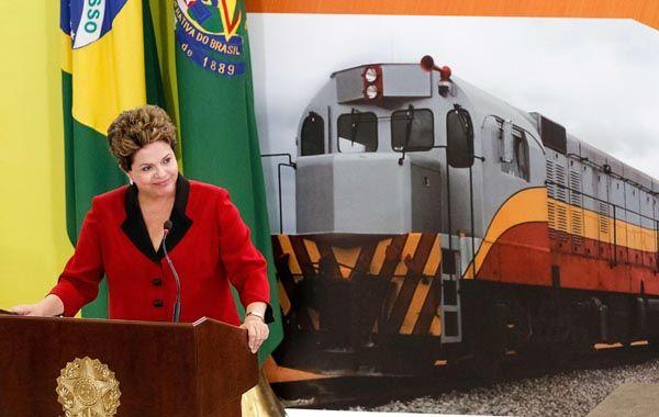 Rousseff dijo que el plan busca cubrir las graves deficiencias de Brasil en infraestructura vial.