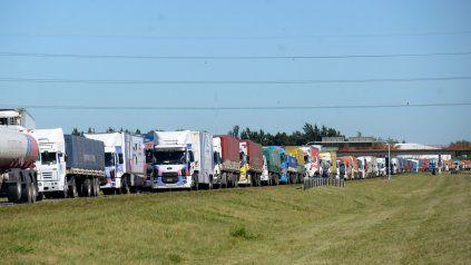 Camioneros rechazaron un aumento del 38% y mantienen su reclamo del 45% acumulativo