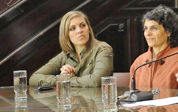 Cuestionadora. La concejala María Fernanda Gigliani (izquierda) ventiló la controversia. (Foto: S. Suárez Meccia)
