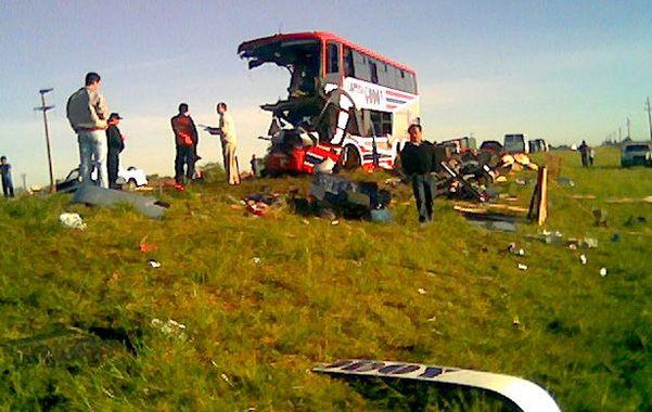 La tragedia. El accidente sobre la ruta 11 se cobró la vida de 9 alumnos