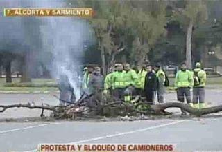 Camioneros protestan tras muerte de afiliado: Hasta que no aparezca Moyano no paramos