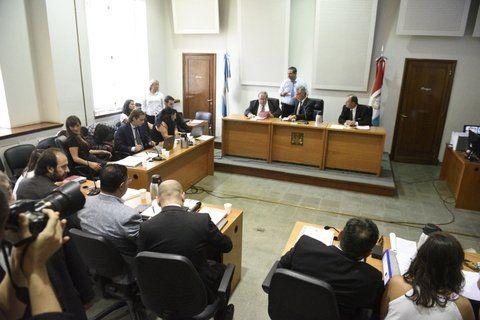 El tribunal cumplió con el ritual de presentar a los acusados
