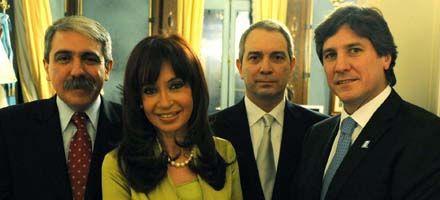 Cristina les tomó juramento a los nuevos funcionarios del gabinete