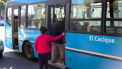 Transporte en crisis: Miatello pide rediscutir el rol de los empresarios y no descarta estatizar el servicio
