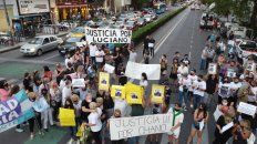 Reclamo ciudadano. Vecinos de Corrientes y Pellegrini se concentraron días atrás para exigir más seguridad.