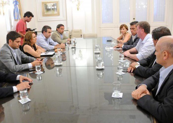 Fein se reunió ayer con funcionarios provinciales y nacionales para coordinar acciones de seguridad.