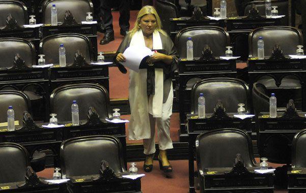 Despistó. La diputada opositora Elisa Carrió fue blanco de todas las críticas por su planteo antidemocrático.