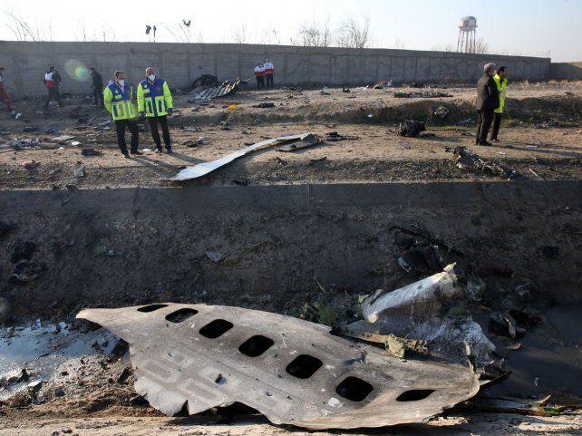 Los restos incinerados del avión ucraniano derribado por los militares iraníes sobre Teherán el 8 de enero de 2020.