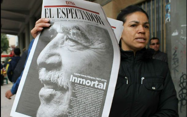 A toda página. El diario El Espectador de Colombia publicó así la muerte de su antiguo reportero.