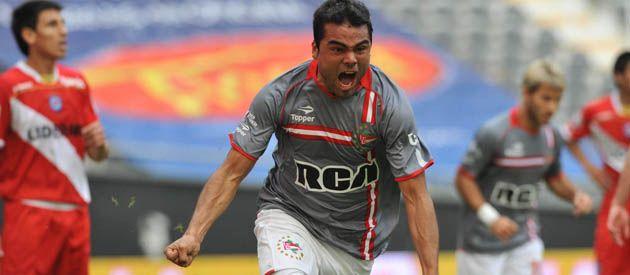 Con la de Estudiantes. Mercado lleva 12 goles en primera división.