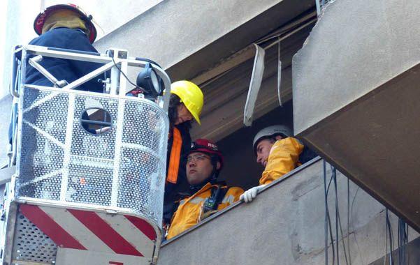 Su imagen pidiendo auxilio desde la ventana tras la explosión de una torre de Salta 2141 dio vuelta al mundo. Ayer